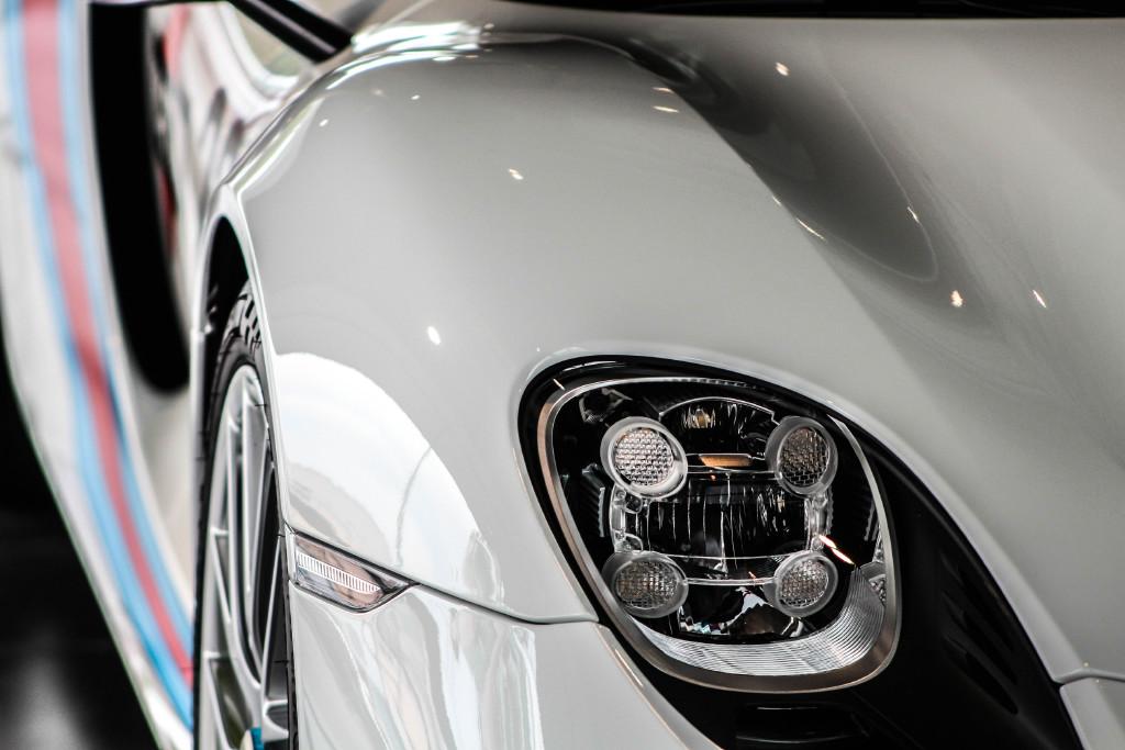 永久的经典 马天尼涂装保时捷918 spyder