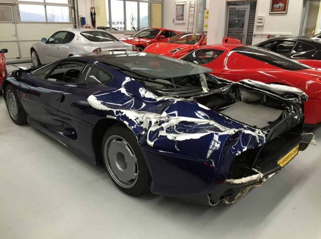 wrecked-jaguar-xj220 (2)