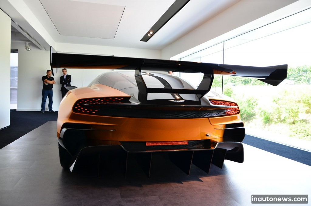 Aston-Martin-Vulcan (15)