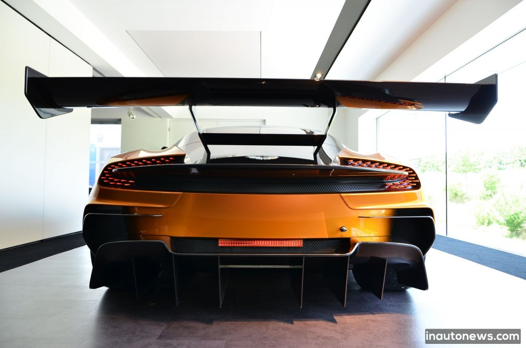 Aston-Martin-Vulcan (95)