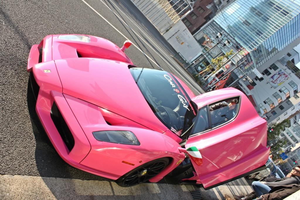 法拉利跑车真车_一枚粉红色法拉利Enzo | 咱车
