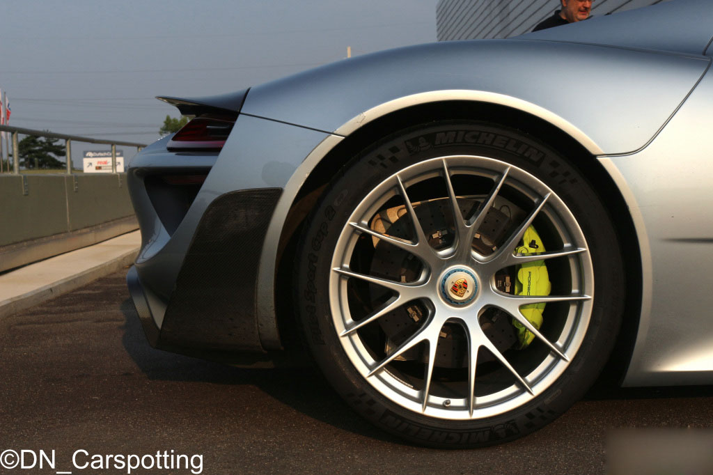 porsche-918-spyder-weissach-package (7)